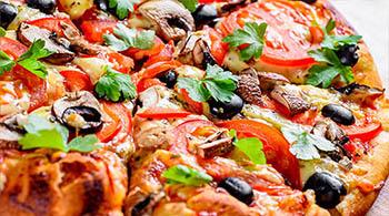 Les pizzas fait maison du restaurant Le Beau Soleil